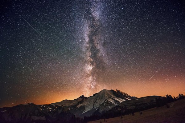 smithsonian-photo-contest-naturalworld-milkyway-galaxy-stars-morrow